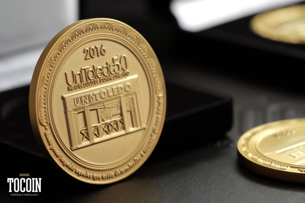 medalha aniversario instituição