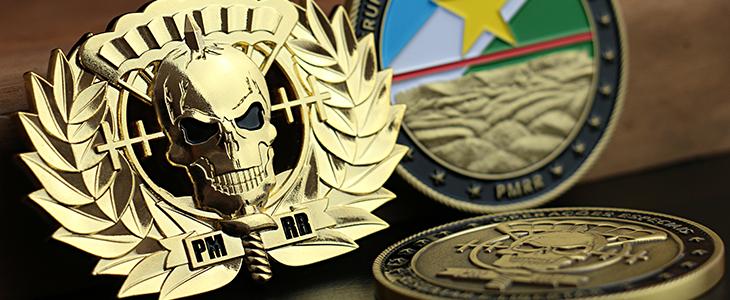Brevê em metal e moeda militar do BOPE PMRR.