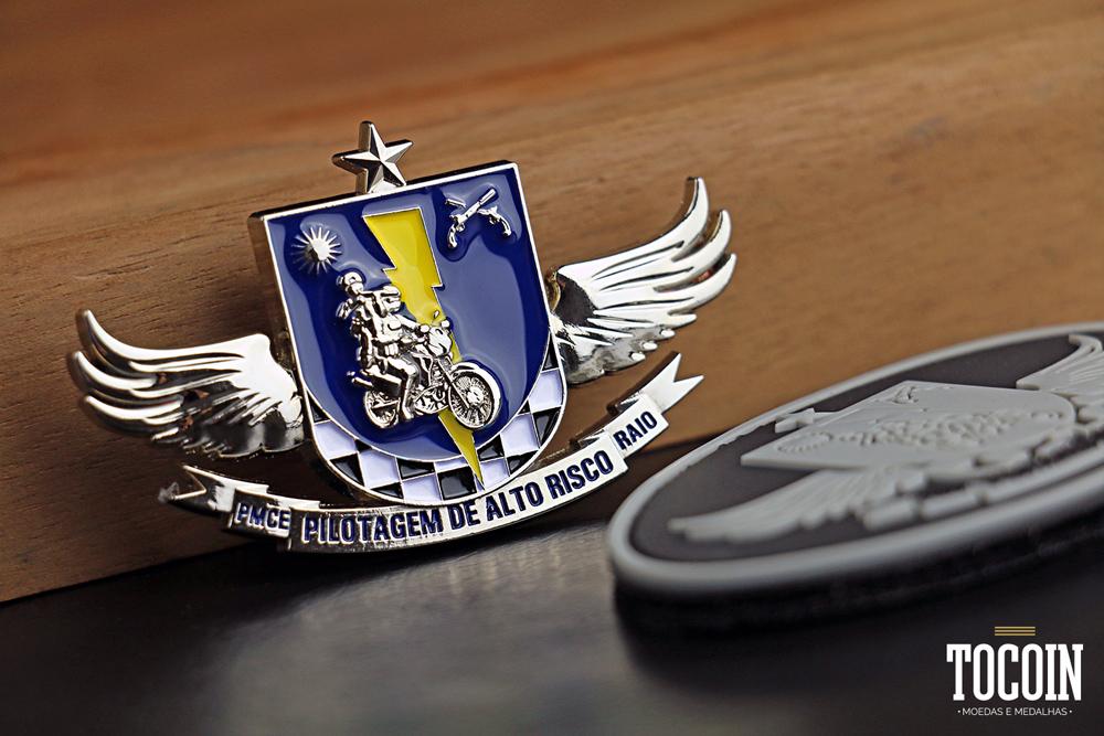 Brevê em metal do Curso de Pilotagem de Alto Risco da PMCE.
