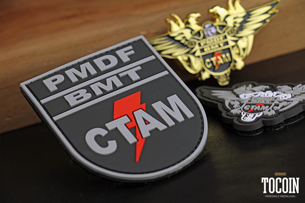 Distintivo emborrachado do Curso Tático de Ações Motociclísticas do BMT PMDF.