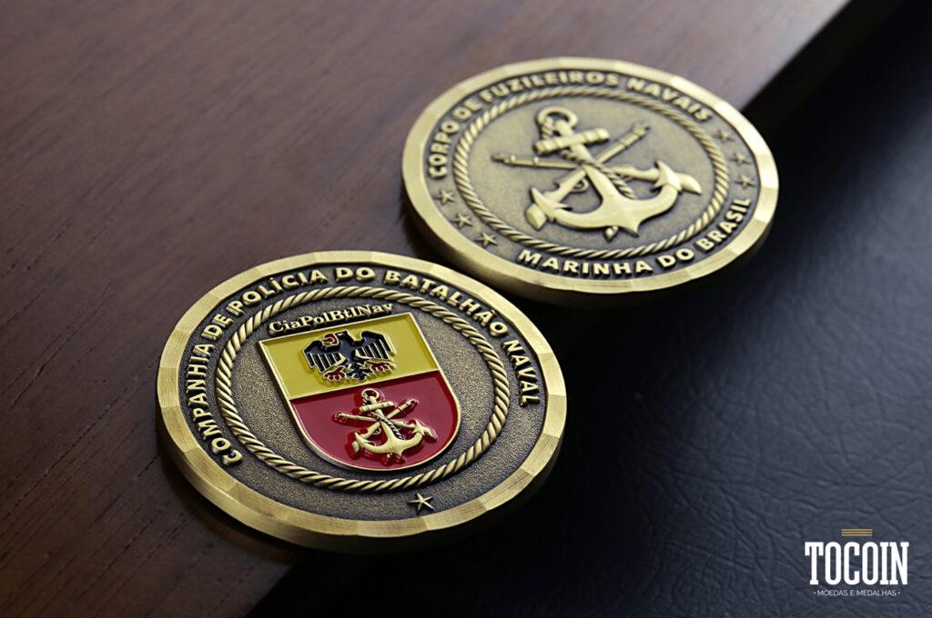 Duas moedas da Companhia de Polícia do Batalhão Naval da Marinha do Brasil