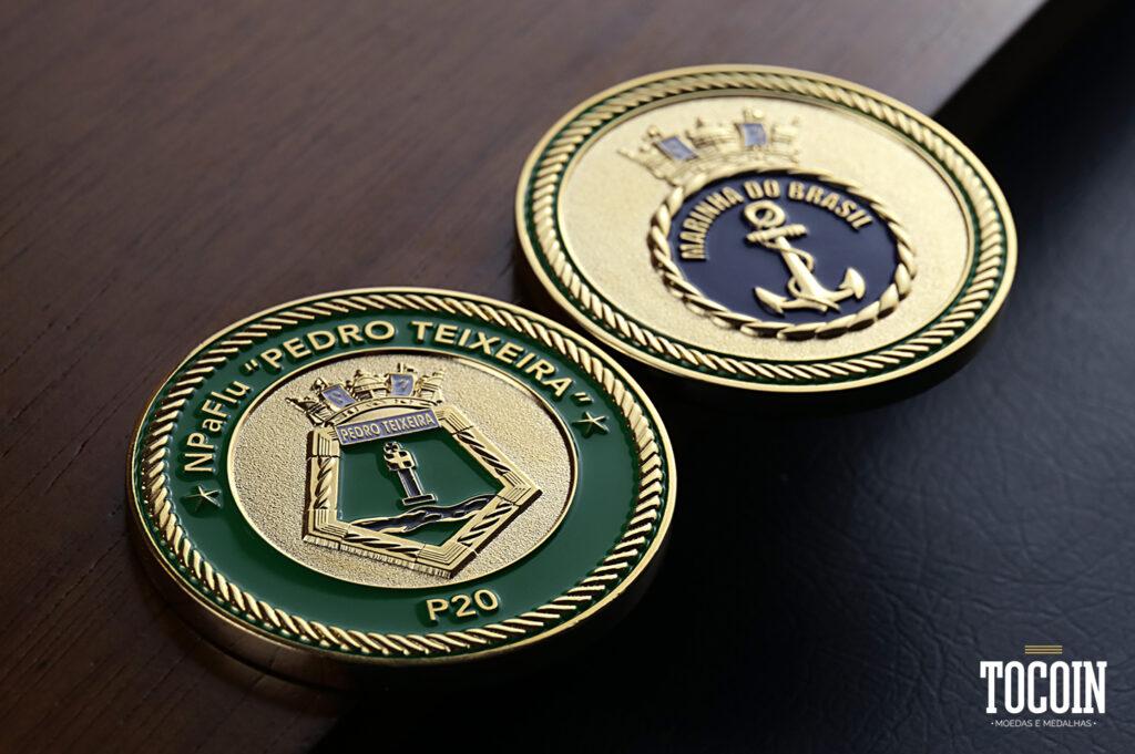 """Duas moedas do Navio de Patrulha Fluvial """"Pedro Teixeira"""" P20 da Marinha do Brasil"""